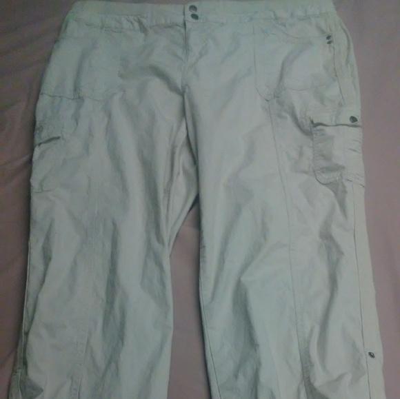 Style & Co Pants - Style and Co cargo khacki pants